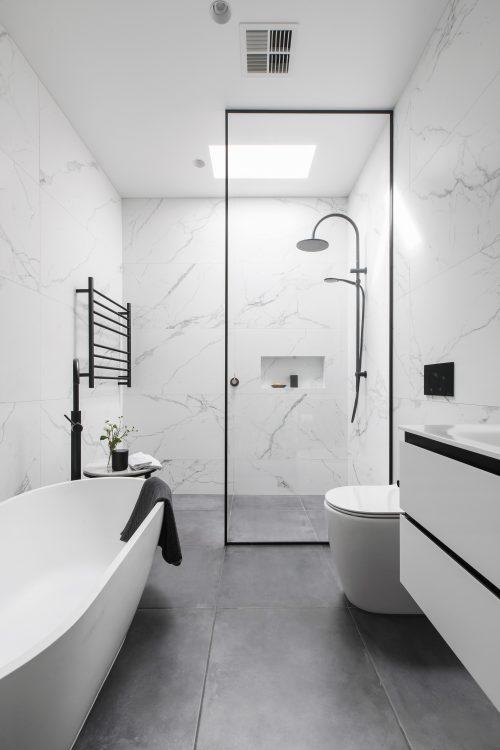 savvy-interiors-by-design-bathroom-single-shower-bath-tub
