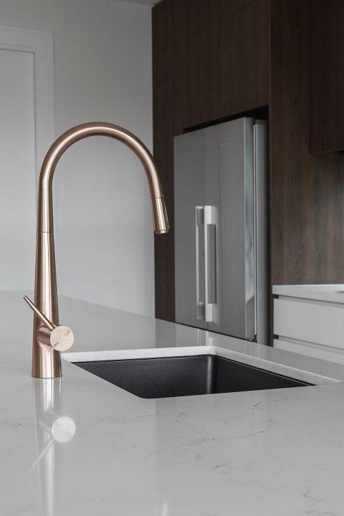 savvy-interiors-by-design-kitchen-sink-tap