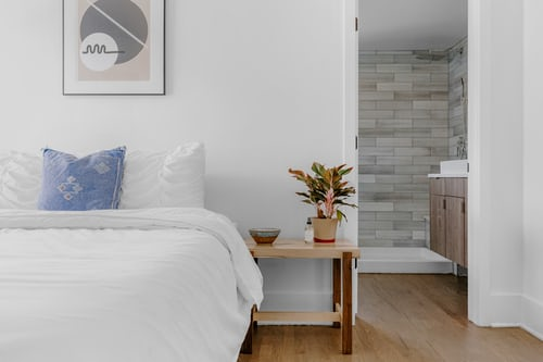 savvy-interiors-by-design-bed-stock-styling