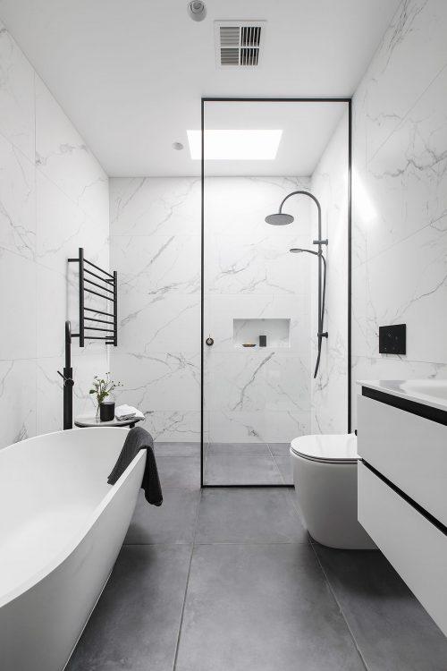 savvy-interiors-by-design-bathroom-bath-sink